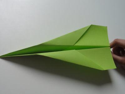 Faltanleitung Flugzeug grün 12