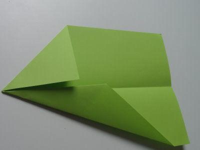 Faltanleitung Flugzeug grün 5
