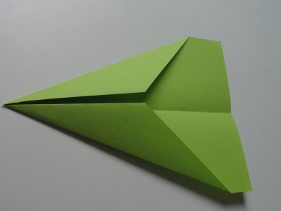 Faltanleitung Flugzeug grün 6