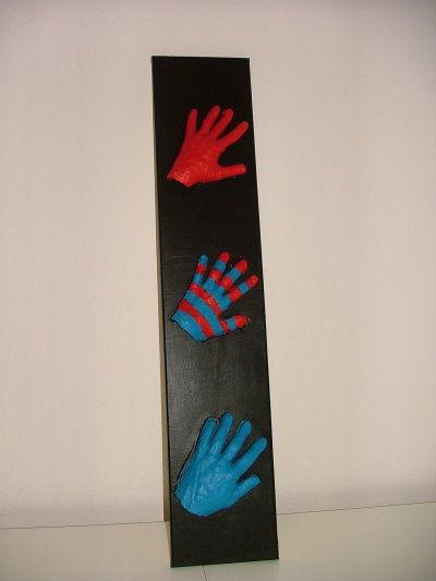 Gipshände auf Leinwand