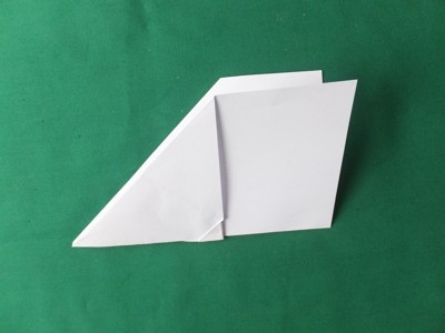 gefaltetes Papierflugzeug