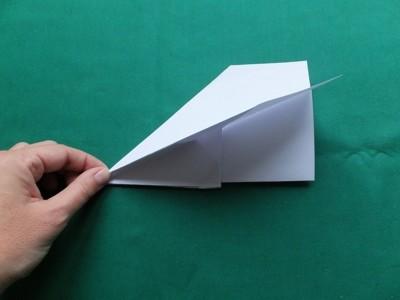 Bastelanleitung für Papierflugzeuge