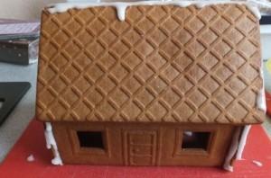 Lebkuchenhaus mit Dach