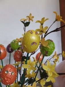 Modelliercreme zur Gestaltung von Ostereiern