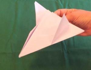 Papierflugzeuge falten