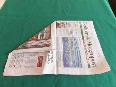 Hut aus einer Zeitung 3 Bischofshut falten