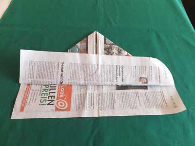 Hut aus einer Zeitung 5