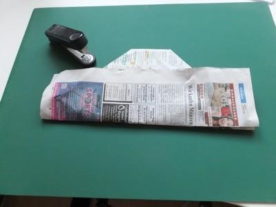 Hut aus Zeitungspapier