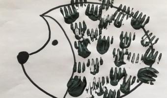 Stempeln mit Kindern Gabeltechnik - ein Igel