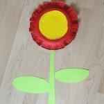 Bastelideen aus Papptellern eine Blume