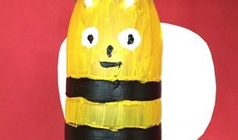 Bienenlaterne aus einer Plastikflasche