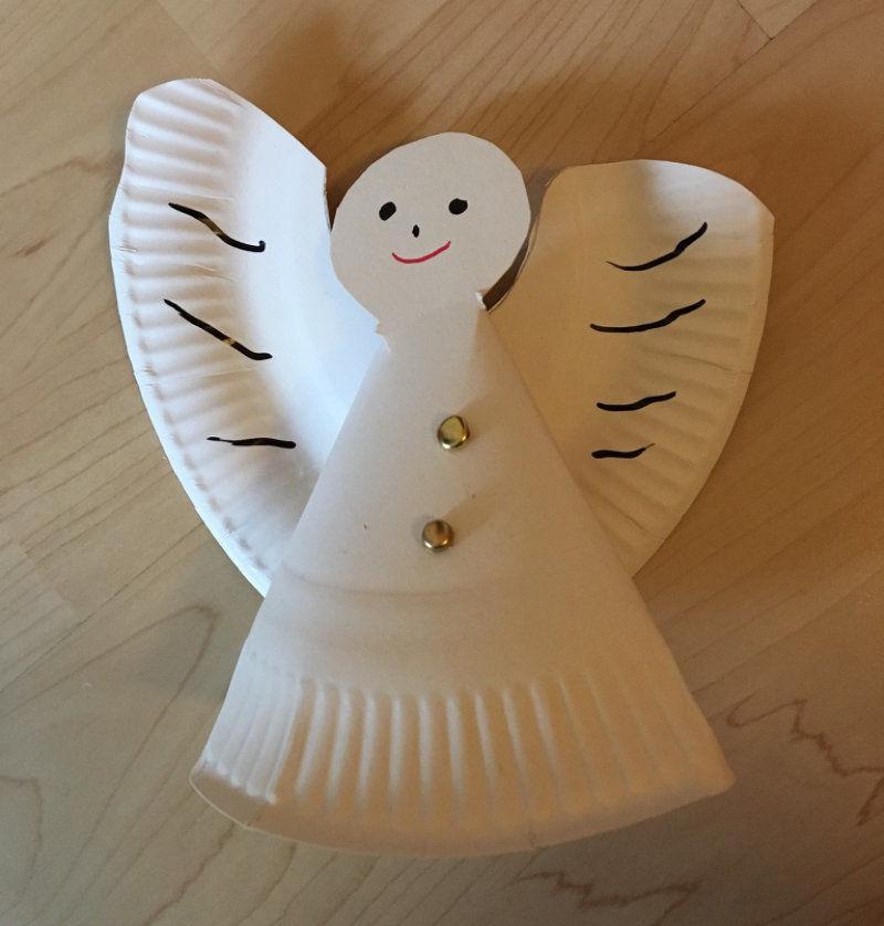 Wir Basteln Einen Engel Als Weihnachtsdekoration Aus Papptellern