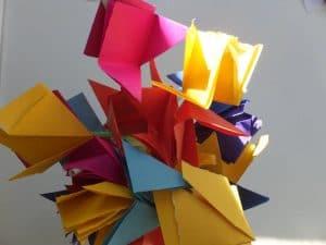 bunter Papierblumenstrauss