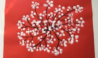Frühlingsblüte mit Finger stempeln