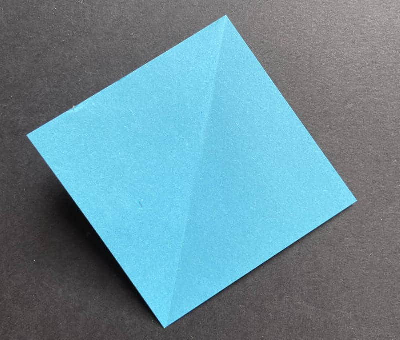 Faltpapier diagonal gefaltet